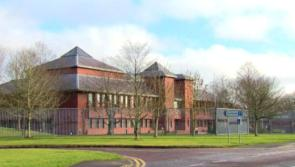 Court News : Man with over 160 convictions tried to run off from police at hospital